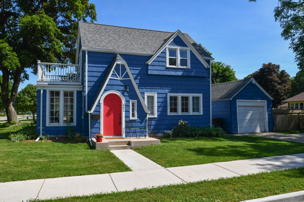 602 Cherry St, Oconomowoc, Wisconsin 53066, 2 Bedrooms Bedrooms, ,1 BathroomBathrooms,Single-Family,For Sale,Cherry St,1645523