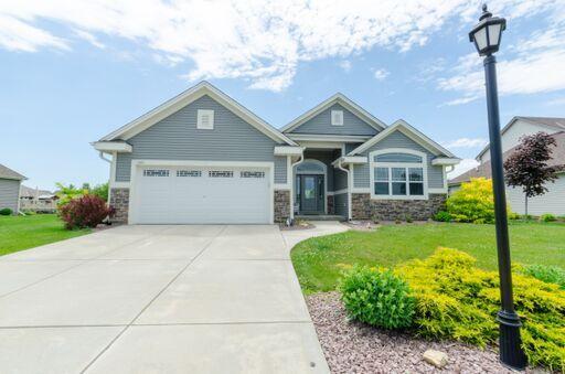 1427 Mamerow Ln W, Oconomowoc, Wisconsin 53066, 3 Bedrooms Bedrooms, 6 Rooms Rooms,2 BathroomsBathrooms,Single-Family,For Sale,Mamerow Ln W,1645921