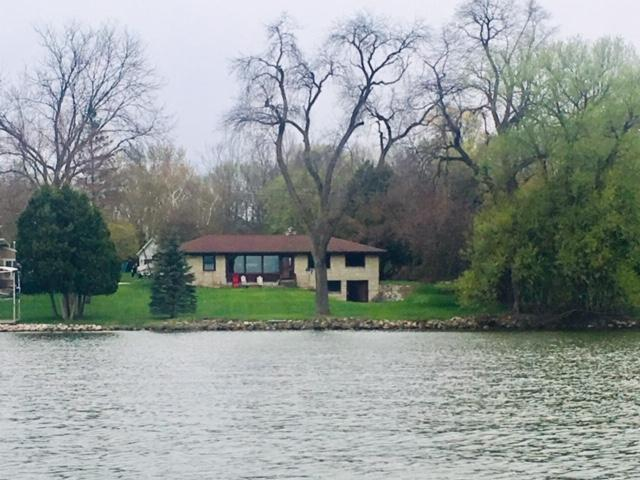 N22W28116 Edgewater Dr, Delafield, Wisconsin 53072, 3 Bedrooms Bedrooms, ,2 BathroomsBathrooms,Single-Family,For Sale,Edgewater Dr,1646398