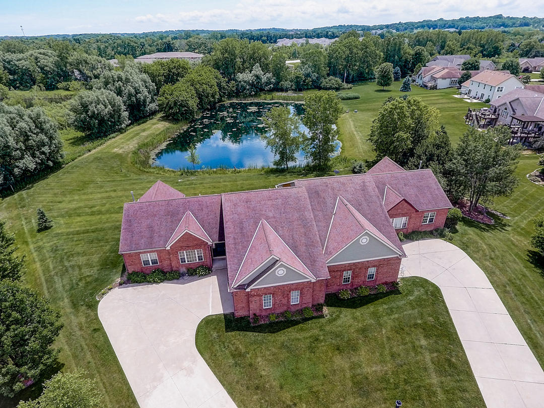 N22W26481 Shooting Star Ct, Pewaukee, Wisconsin 53072, 4 Bedrooms Bedrooms, 9 Rooms Rooms,3 BathroomsBathrooms,Condominiums,For Sale,Shooting Star Ct,1,1646864