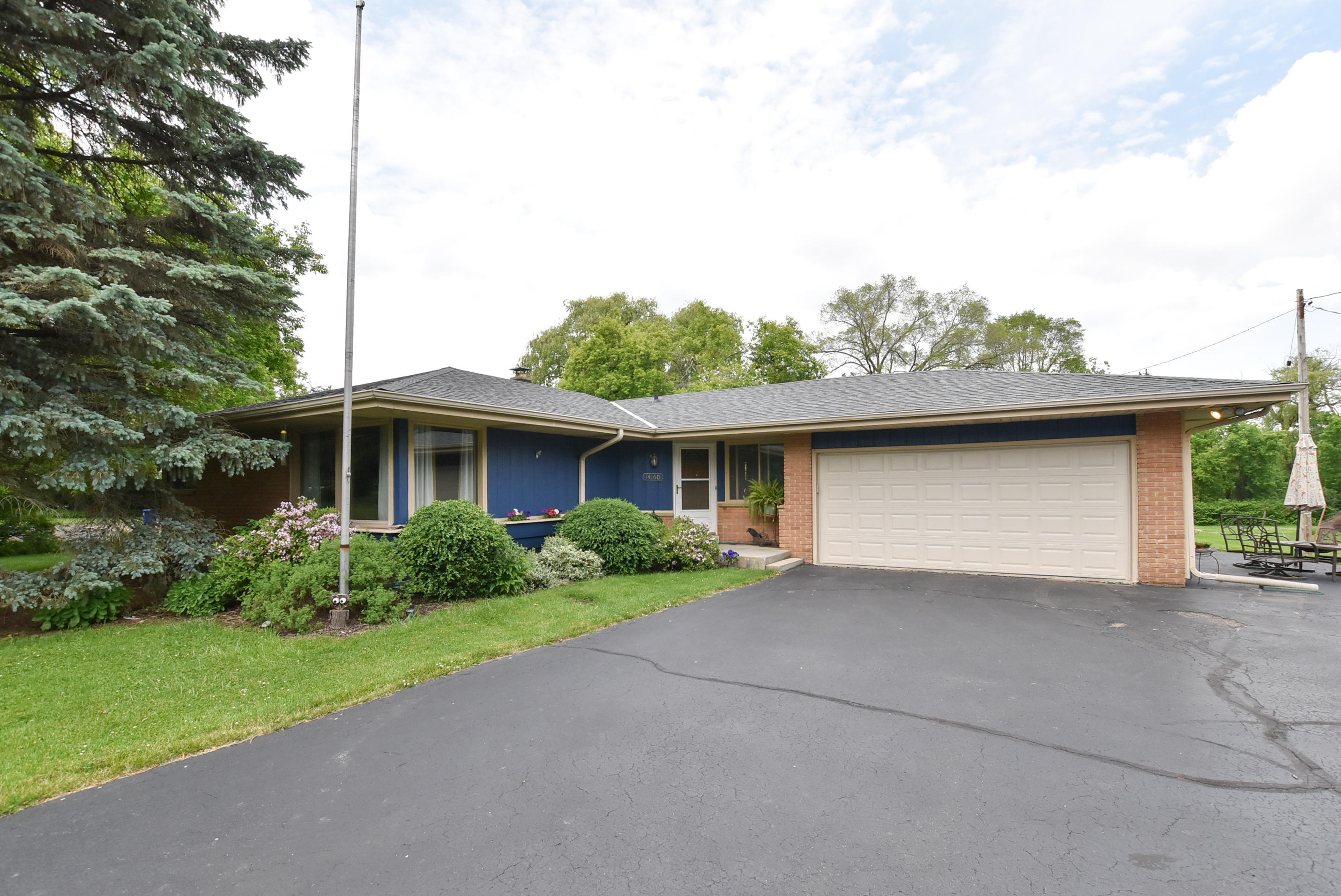 14160 Lisbon Rd, Brookfield, Wisconsin 53005, 3 Bedrooms Bedrooms, 9 Rooms Rooms,1 BathroomBathrooms,Single-Family,For Sale,Lisbon Rd,1647071