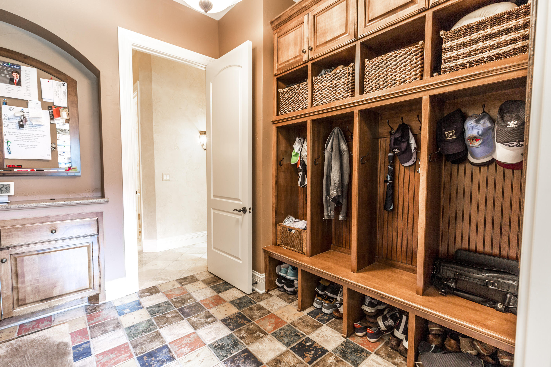 1410 Bristlecone Dr, Hartland, Wisconsin 53029, 5 Bedrooms Bedrooms, 18 Rooms Rooms,5 BathroomsBathrooms,Single-Family,For Sale,Bristlecone Dr,1647173