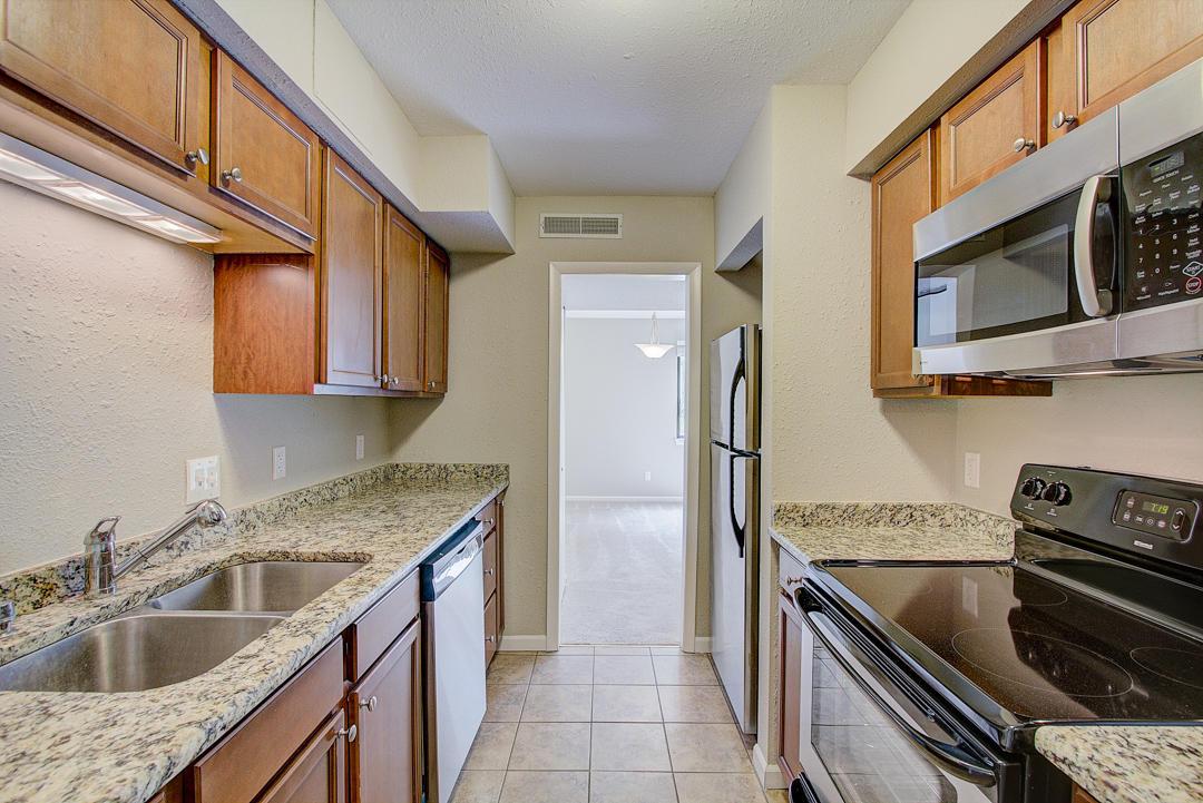 1061 Regent Rd, Oconomowoc, Wisconsin 53066, 2 Bedrooms Bedrooms, 7 Rooms Rooms,2 BathroomsBathrooms,Condominiums,For Sale,Regent Rd,1,1647262