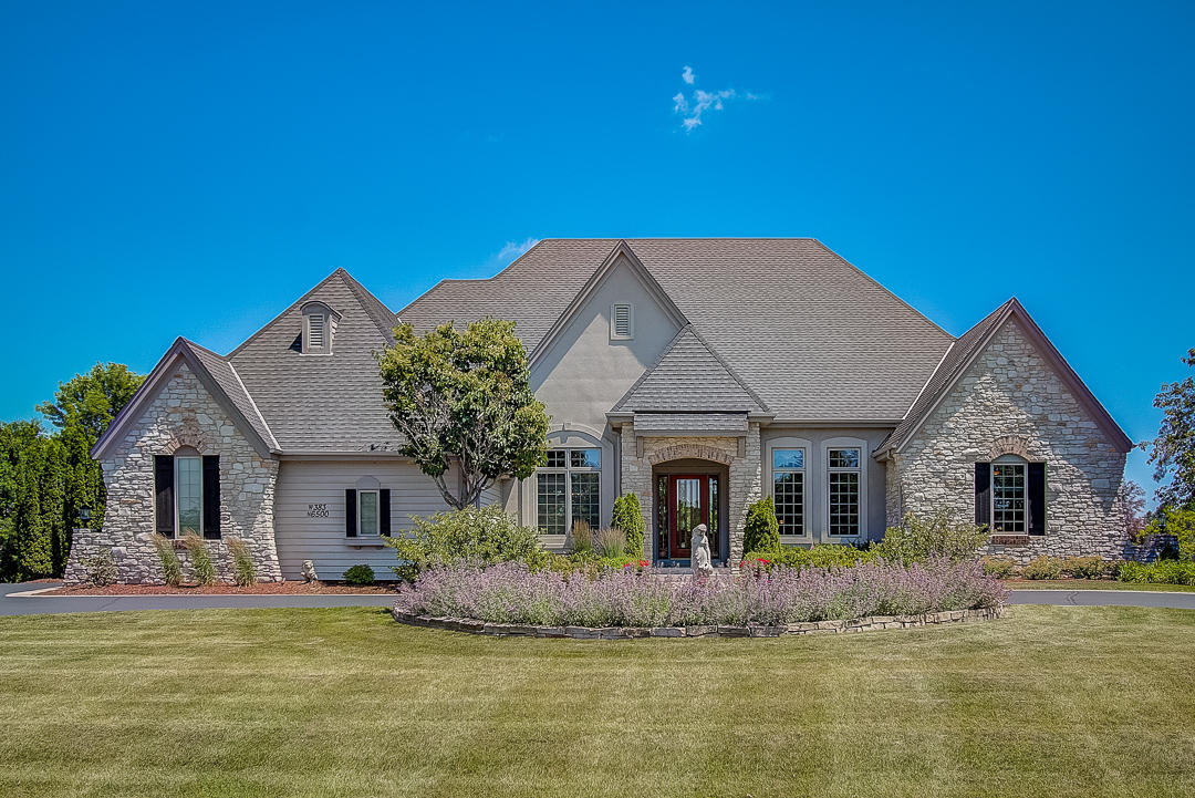 W383N6500 Woodlake Cir, Oconomowoc, Wisconsin 53066, 4 Bedrooms Bedrooms, ,4 BathroomsBathrooms,Single-Family,For Sale,Woodlake Cir,1648091
