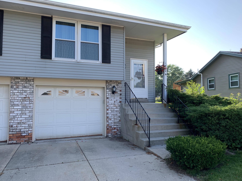 1864 Waterview LN, Waukesha, Wisconsin 53189, 2 Bedrooms Bedrooms, 5 Rooms Rooms,1 BathroomBathrooms,Condominiums,For Sale,Waterview LN,1,1648301