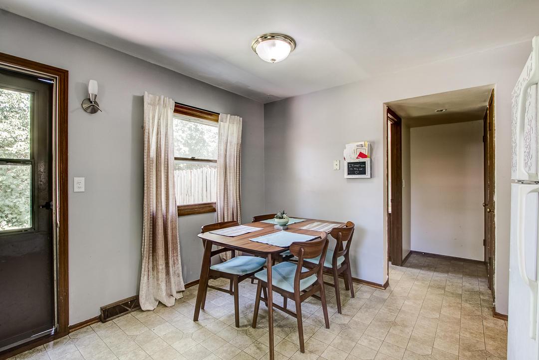 530 Penbrook Way, Hartland, Wisconsin 53029, 3 Bedrooms Bedrooms, 5 Rooms Rooms,1 BathroomBathrooms,Two-Family,For Sale,Penbrook Way,1,1648398