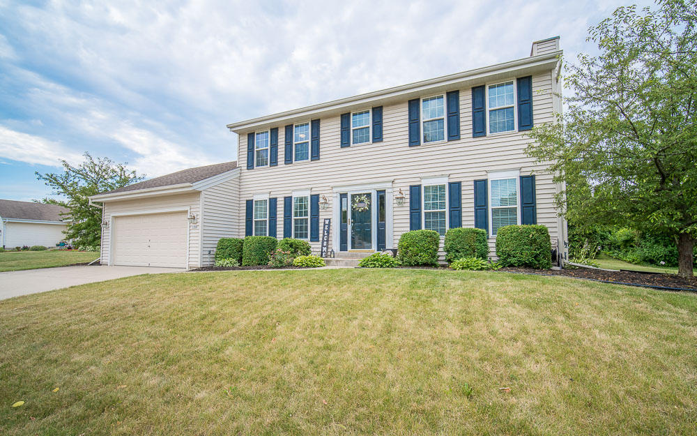 1700 Rempe DR, Waukesha, Wisconsin 53186, 3 Bedrooms Bedrooms, ,2 BathroomsBathrooms,Single-Family,For Sale,Rempe DR,1648734
