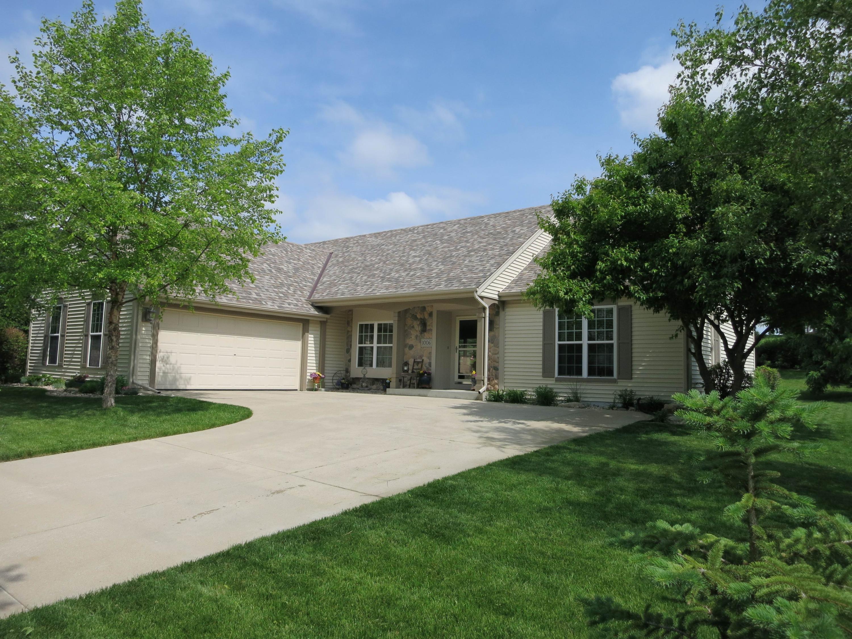 1006 Dana Ln, Waukesha, Wisconsin 53189, 3 Bedrooms Bedrooms, ,2 BathroomsBathrooms,Single-Family,For Sale,Dana Ln,1650465