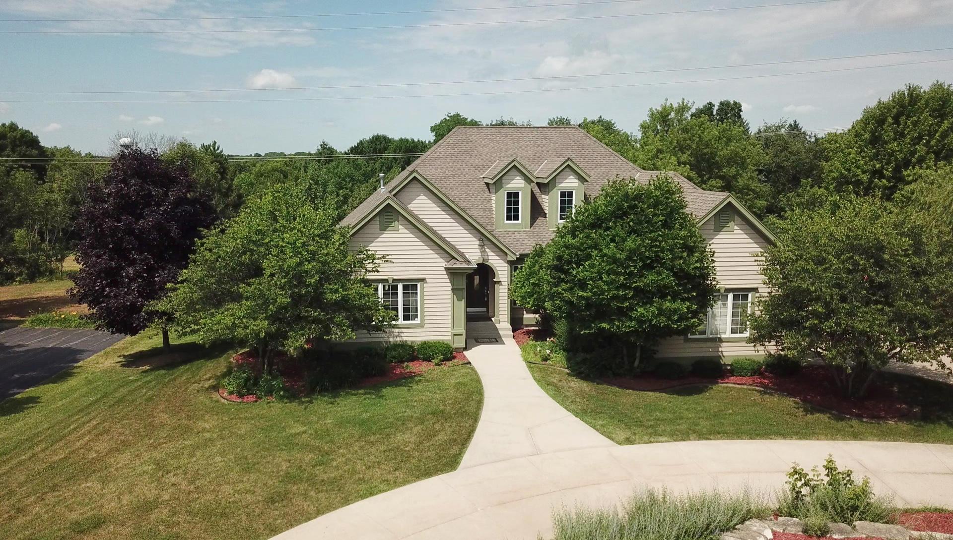 1505 Brian Ct, Brookfield, Wisconsin 53045, 5 Bedrooms Bedrooms, 10 Rooms Rooms,5 BathroomsBathrooms,Single-Family,For Sale,Brian Ct,1648860