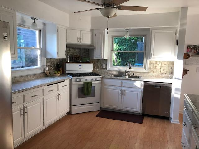 2121 Easy St, Waukesha, Wisconsin 53188, 3 Bedrooms Bedrooms, 7 Rooms Rooms,3 BathroomsBathrooms,Single-Family,For Sale,Easy St,1648969