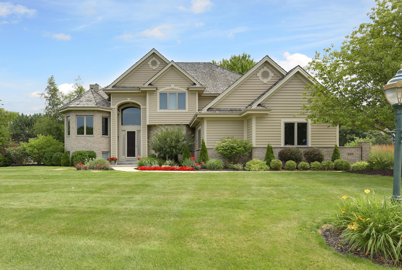 600 Thornbush Cir, Hartland, Wisconsin 53029, 4 Bedrooms Bedrooms, 13 Rooms Rooms,3 BathroomsBathrooms,Single-Family,For Sale,Thornbush Cir,1649592