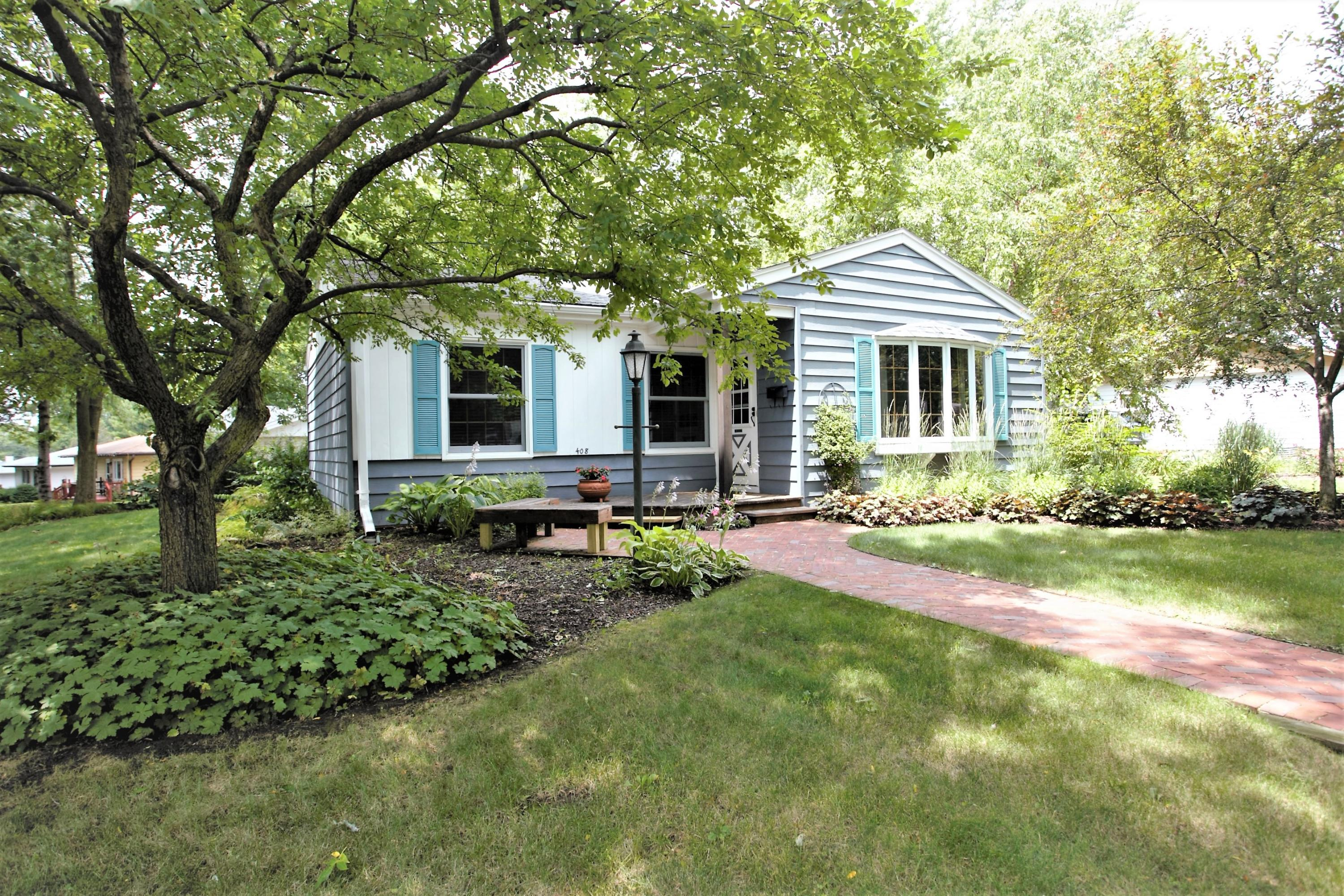 408 Western Ave, Waukesha, Wisconsin 53188, 3 Bedrooms Bedrooms, 5 Rooms Rooms,1 BathroomBathrooms,Single-Family,For Sale,Western Ave,1650259