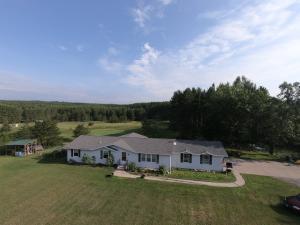 W10066 Barnes Lake Rd, Dunbar, WI 54119