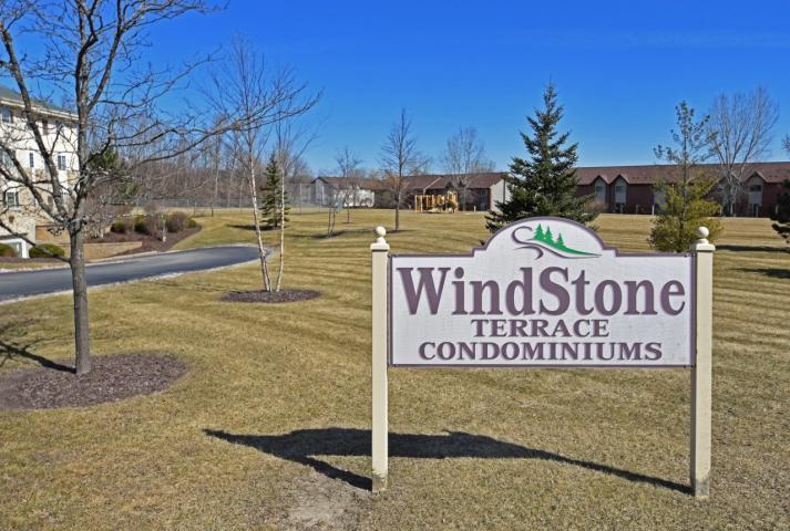 520 Windstone Dr #105