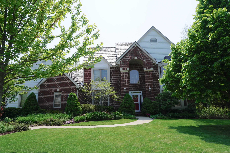 19235 Clayton Ct, Brookfield, Wisconsin 53045, 5 Bedrooms Bedrooms, 10 Rooms Rooms,4 BathroomsBathrooms,Single-Family,For Sale,Clayton Ct,1653580