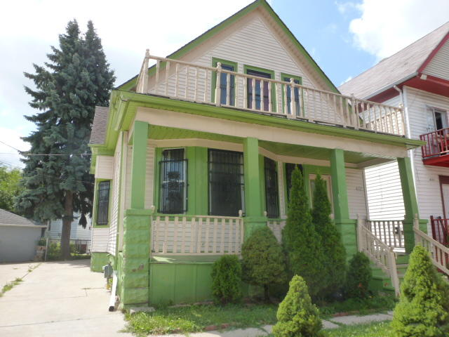 1827 Burnham St, Milwaukee, Wisconsin 53204, 2 Bedrooms Bedrooms, 5 Rooms Rooms,1 BathroomBathrooms,Two-Family,For Sale,Burnham St,1,1654187