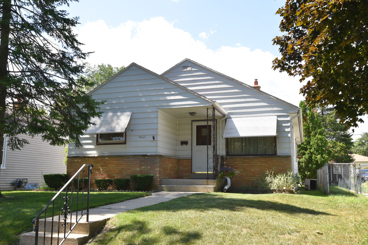 4525 70th St, Milwaukee, Wisconsin 53218, 3 Bedrooms Bedrooms, 5 Rooms Rooms,1 BathroomBathrooms,Single-Family,For Sale,70th St,1654060