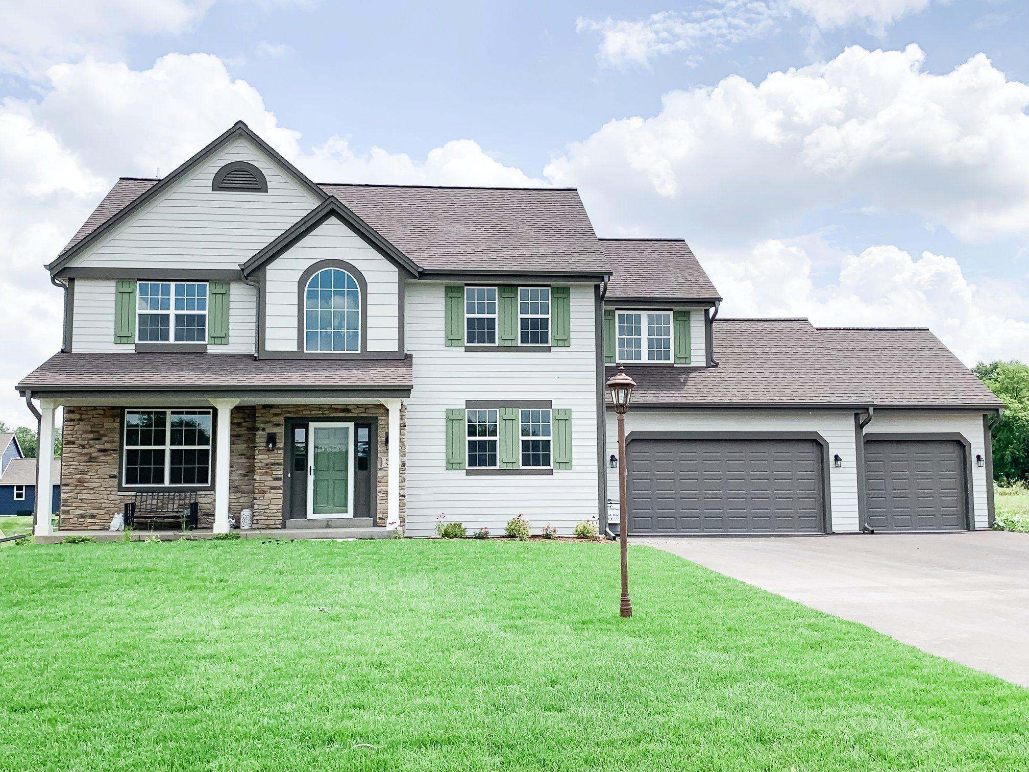 W223S4272 Spafford Ln, Waukesha, Wisconsin 53189, 4 Bedrooms Bedrooms, ,2 BathroomsBathrooms,Single-Family,For Sale,Spafford Ln,1627615