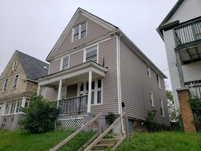 2462 N Hubbard St