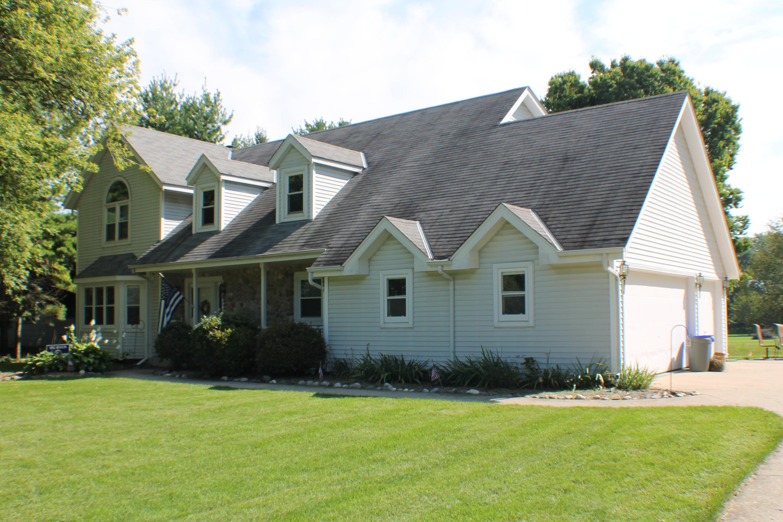 W354N5836 Lisbon Rd, Oconomowoc, Wisconsin 53066, 4 Bedrooms Bedrooms, 8 Rooms Rooms,2 BathroomsBathrooms,Single-Family,For Sale,Lisbon Rd,1657913