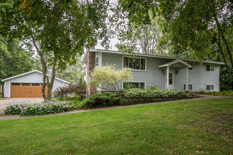 W395N5880 Almar Dr, Oconomowoc, Wisconsin 53066, 3 Bedrooms Bedrooms, ,2 BathroomsBathrooms,Single-Family,For Sale,Almar Dr,1660022