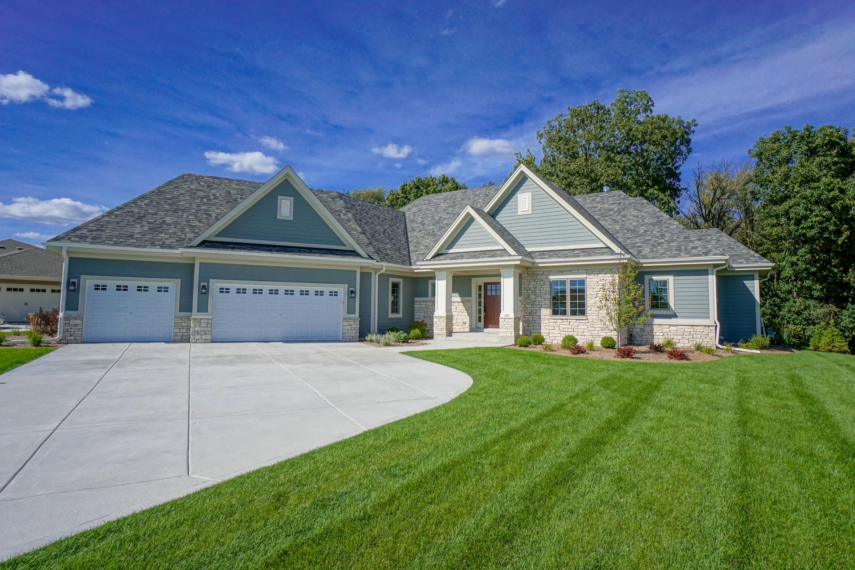 236 Four Winds Ct, Hartland, Wisconsin 53029, 4 Bedrooms Bedrooms, 12 Rooms Rooms,3 BathroomsBathrooms,Single-Family,For Sale,Four Winds Ct,1661212