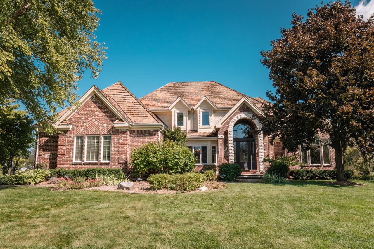 802 Pinyon Ct, Hartland, Wisconsin 53029, 4 Bedrooms Bedrooms, ,4 BathroomsBathrooms,Single-Family,For Sale,Pinyon Ct,1660696