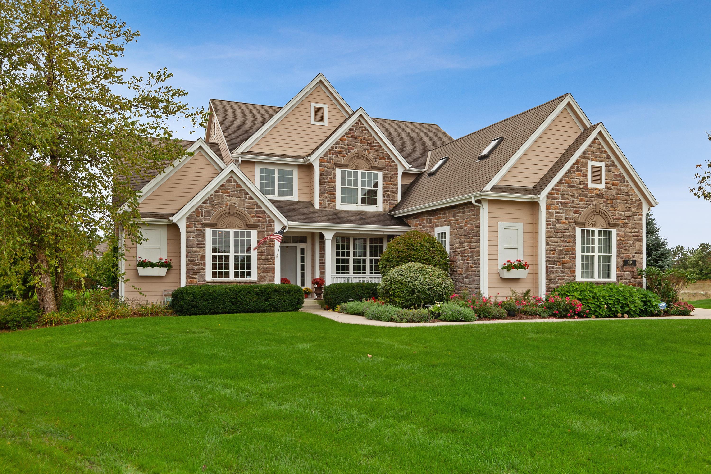 355 Westlynn Ct, Hartland, Wisconsin 53029, 5 Bedrooms Bedrooms, 12 Rooms Rooms,3 BathroomsBathrooms,Single-Family,For Sale,Westlynn Ct,1661960