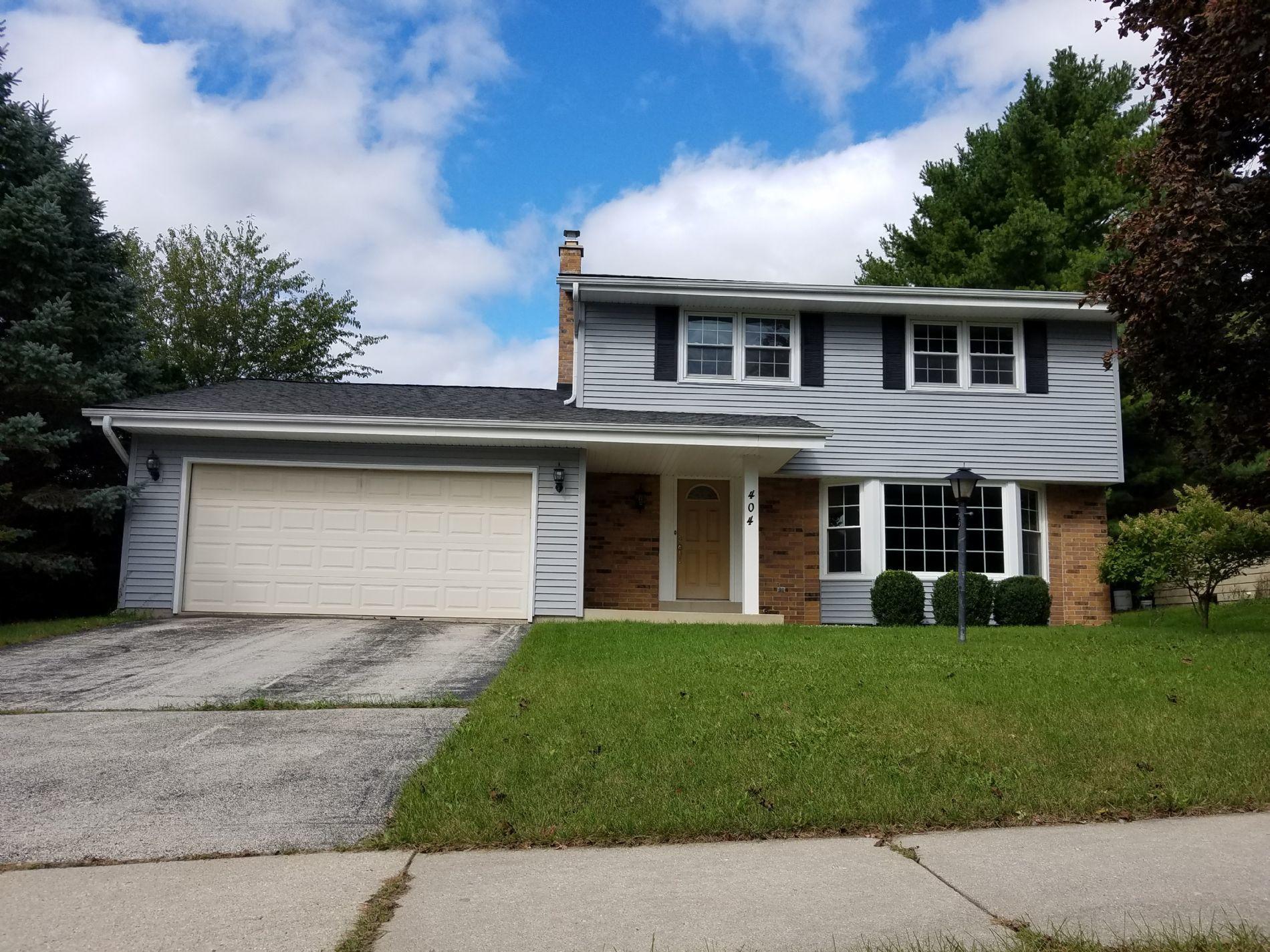 404 Hartwood Ln, Hartland, Wisconsin 53029, 4 Bedrooms Bedrooms, ,1 BathroomBathrooms,Single-Family,For Sale,Hartwood Ln,1663416