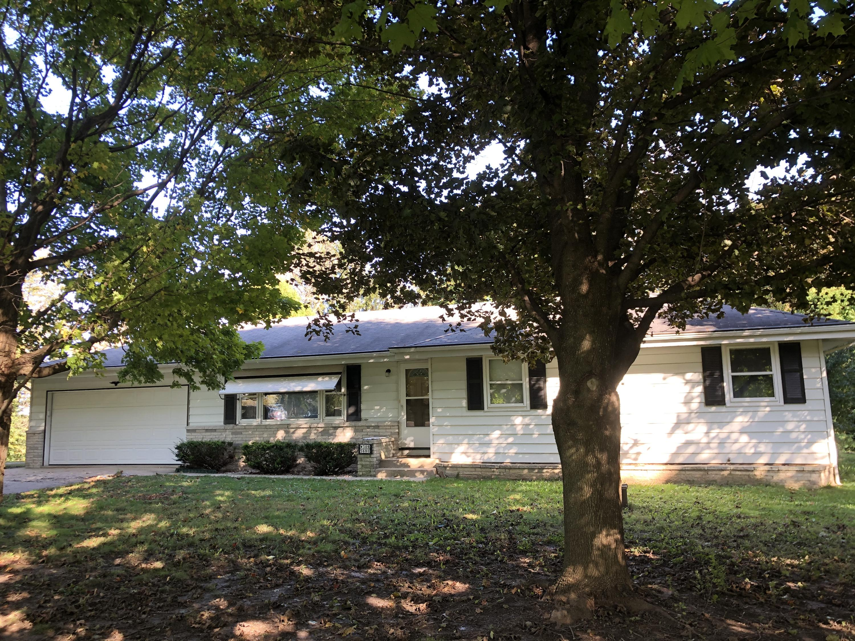 W309S680 Maple Ave, Delafield, Wisconsin 53188, 3 Bedrooms Bedrooms, 5 Rooms Rooms,1 BathroomBathrooms,Single-Family,For Sale,Maple Ave,1663209