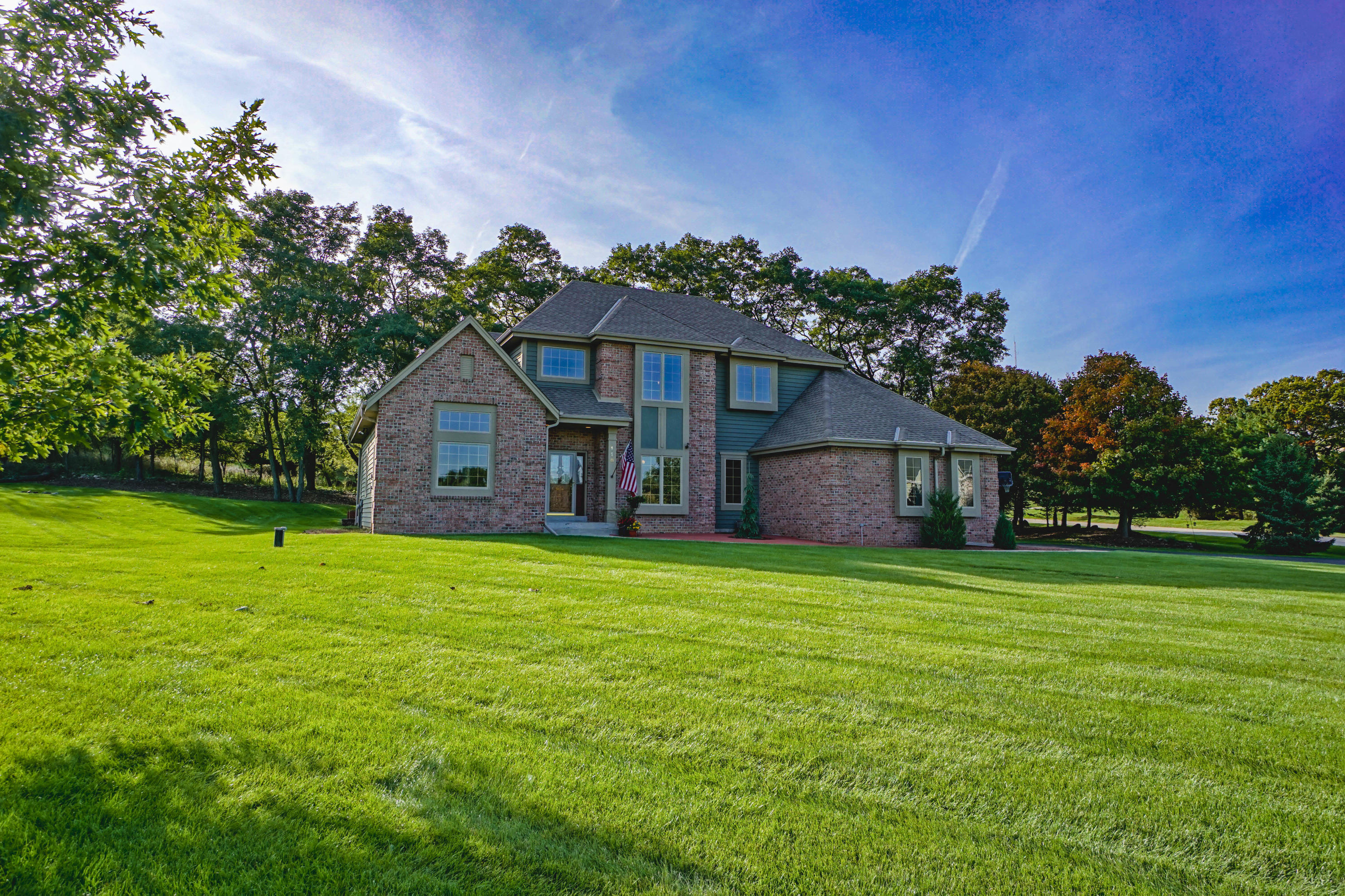 118 Steeple Pointe Dr, Delafield, Wisconsin 53018, 4 Bedrooms Bedrooms, 11 Rooms Rooms,3 BathroomsBathrooms,Single-Family,For Sale,Steeple Pointe Dr,1663537