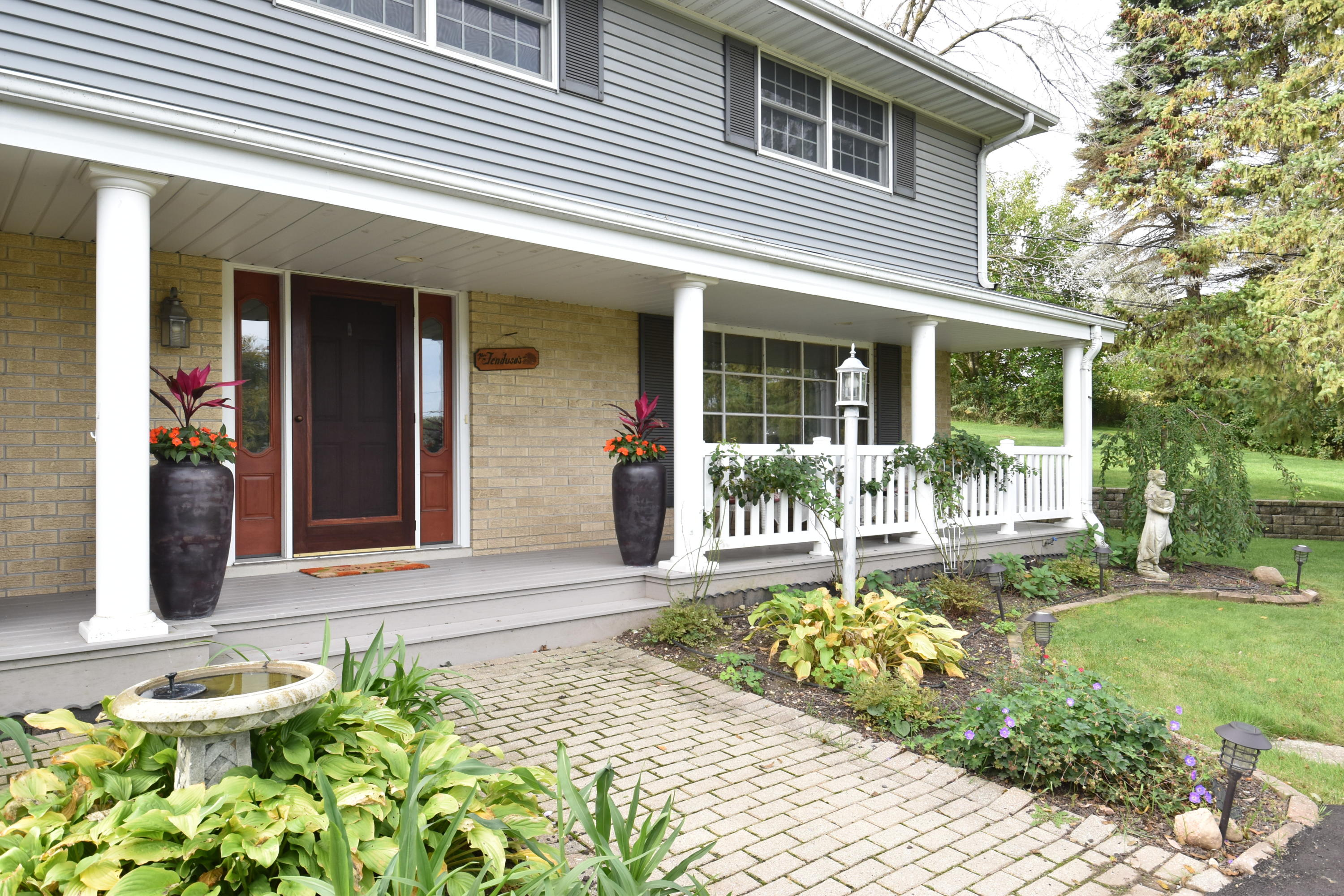 N10W28431 Northview Rd, Delafield, Wisconsin 53188, 3 Bedrooms Bedrooms, 7 Rooms Rooms,2 BathroomsBathrooms,Single-Family,For Sale,Northview Rd,1663584