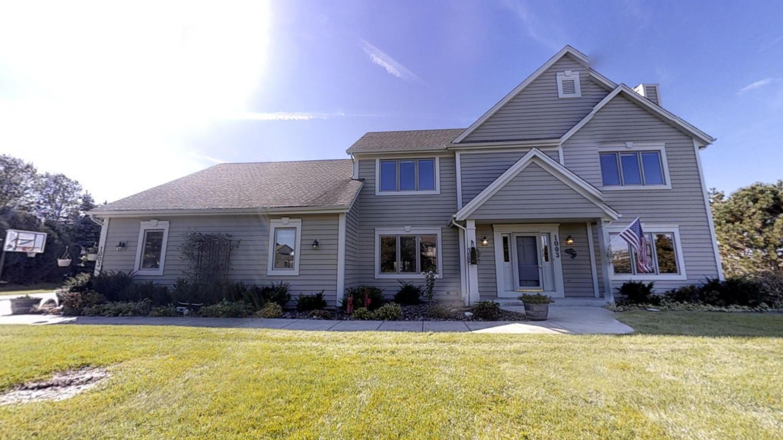 1003 Woods Dr, Hartland, Wisconsin 53029, 4 Bedrooms Bedrooms, 14 Rooms Rooms,4 BathroomsBathrooms,Single-Family,For Sale,Woods Dr,1664127