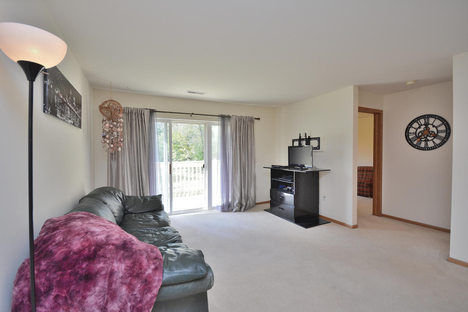 530 Windstone Dr, Hartland, Wisconsin 53029, 2 Bedrooms Bedrooms, 5 Rooms Rooms,2 BathroomsBathrooms,Condominiums,For Sale,Windstone Dr,2,1664294