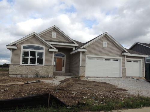 1405 Rosewood Pass, Oconomowoc, Wisconsin 53066, 3 Bedrooms Bedrooms, 7 Rooms Rooms,2 BathroomsBathrooms,Single-Family,For Sale,Rosewood Pass,1657039