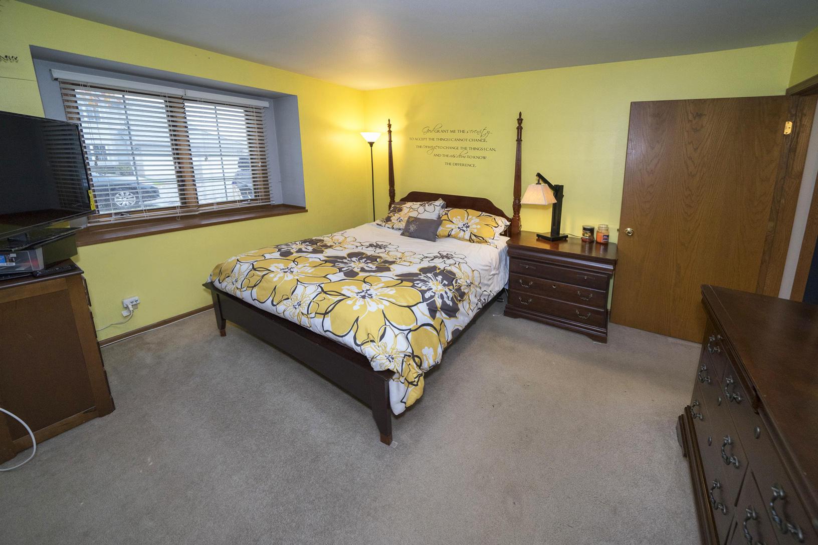 949 Quinlan Dr, Pewaukee, Wisconsin 53072, 2 Bedrooms Bedrooms, 5 Rooms Rooms,2 BathroomsBathrooms,Condominiums,For Sale,Quinlan Dr,1,1665092