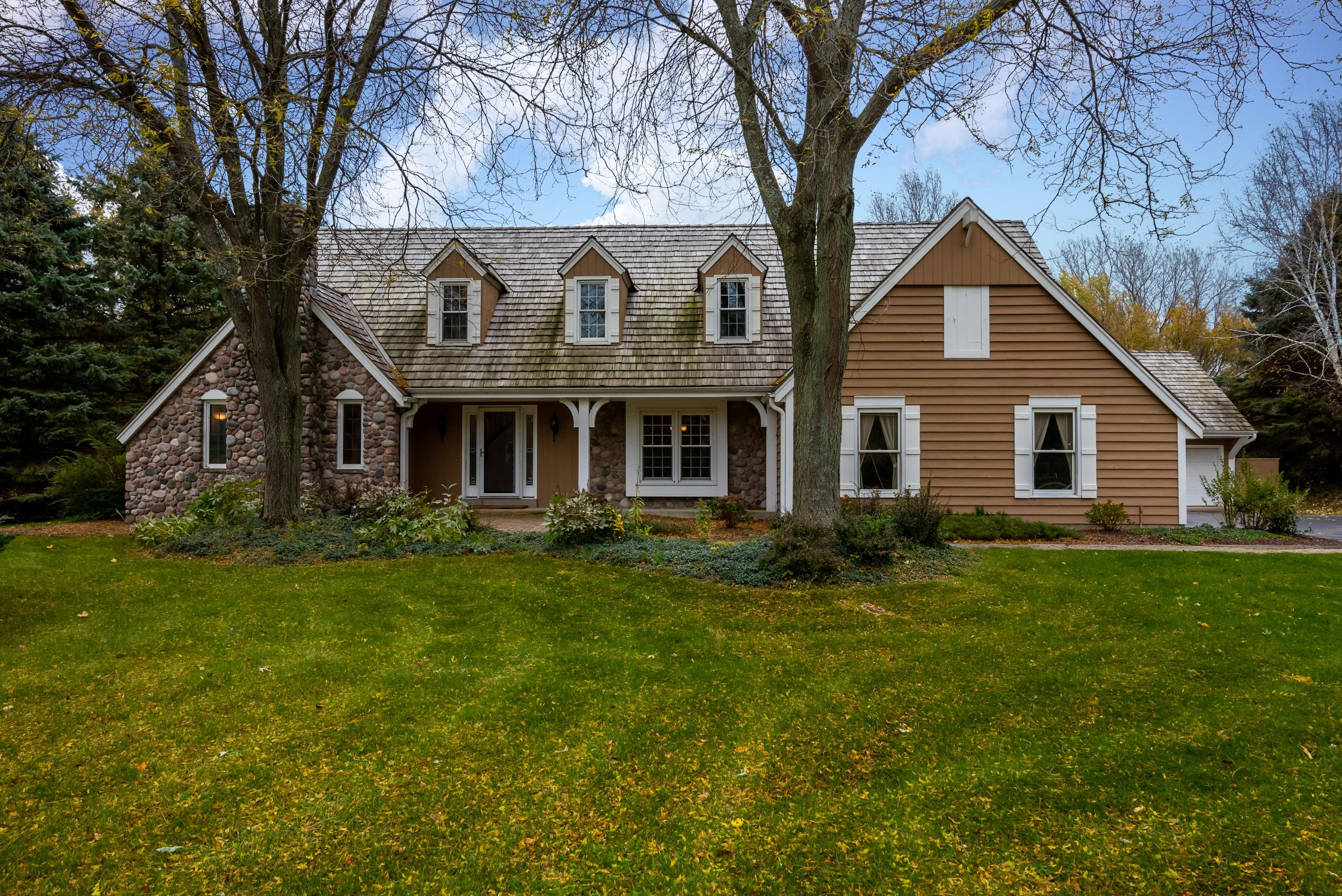 N7W29575 Thames Ct, Delafield, Wisconsin 53188, 4 Bedrooms Bedrooms, 11 Rooms Rooms,2 BathroomsBathrooms,Single-Family,For Sale,Thames Ct,1665246