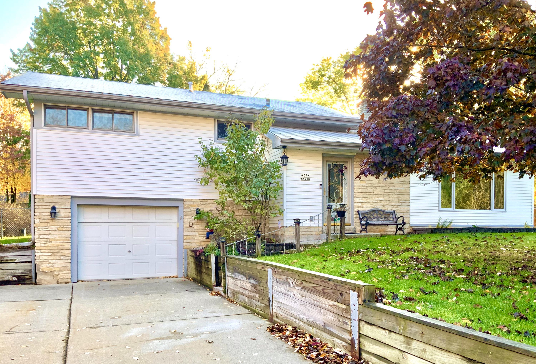 W379N5798 Lake Rd, Oconomowoc, Wisconsin 53066, 4 Bedrooms Bedrooms, ,1 BathroomBathrooms,Single-Family,For Sale,Lake Rd,1659433