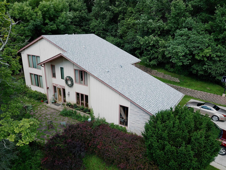 214 Glen Oak Ct, Delafield, Wisconsin 53018, 4 Bedrooms Bedrooms, 8 Rooms Rooms,2 BathroomsBathrooms,Single-Family,For Sale,Glen Oak Ct,1662844