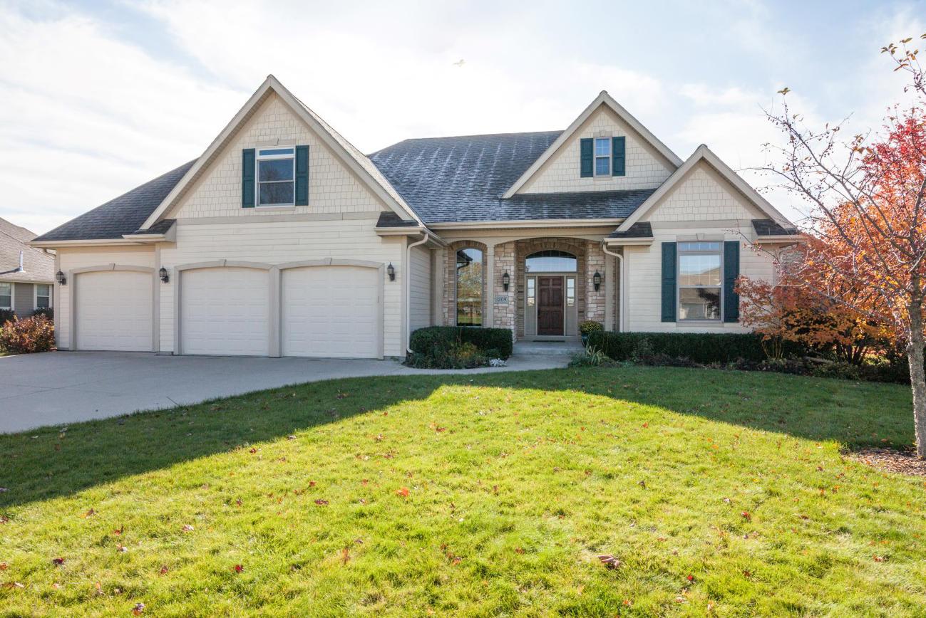 1209 Northview Dr, Oconomowoc, Wisconsin 53066, 4 Bedrooms Bedrooms, 8 Rooms Rooms,2 BathroomsBathrooms,Single-Family,For Sale,Northview Dr,1665712