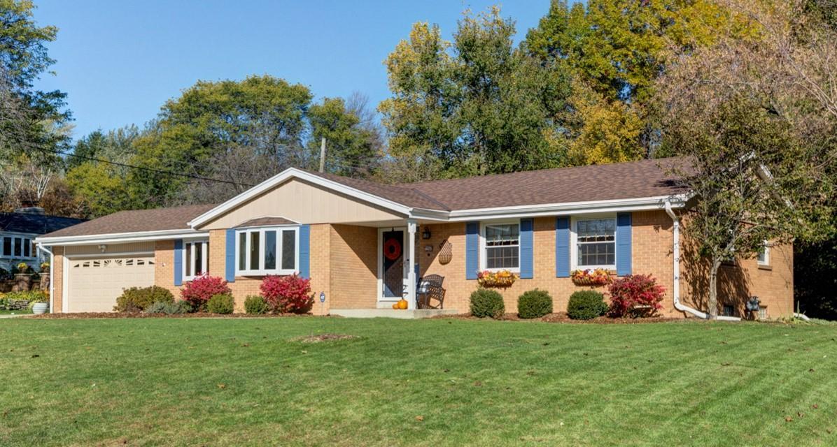 12940 Zinke Dr, Brookfield, Wisconsin 53005, 3 Bedrooms Bedrooms, 7 Rooms Rooms,2 BathroomsBathrooms,Single-Family,For Sale,Zinke Dr,1666071