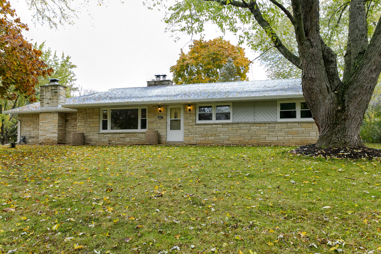 17600 Brooklawn Dr, Brookfield, Wisconsin 53045, 3 Bedrooms Bedrooms, 6 Rooms Rooms,2 BathroomsBathrooms,Single-Family,For Sale,Brooklawn Dr,1665525
