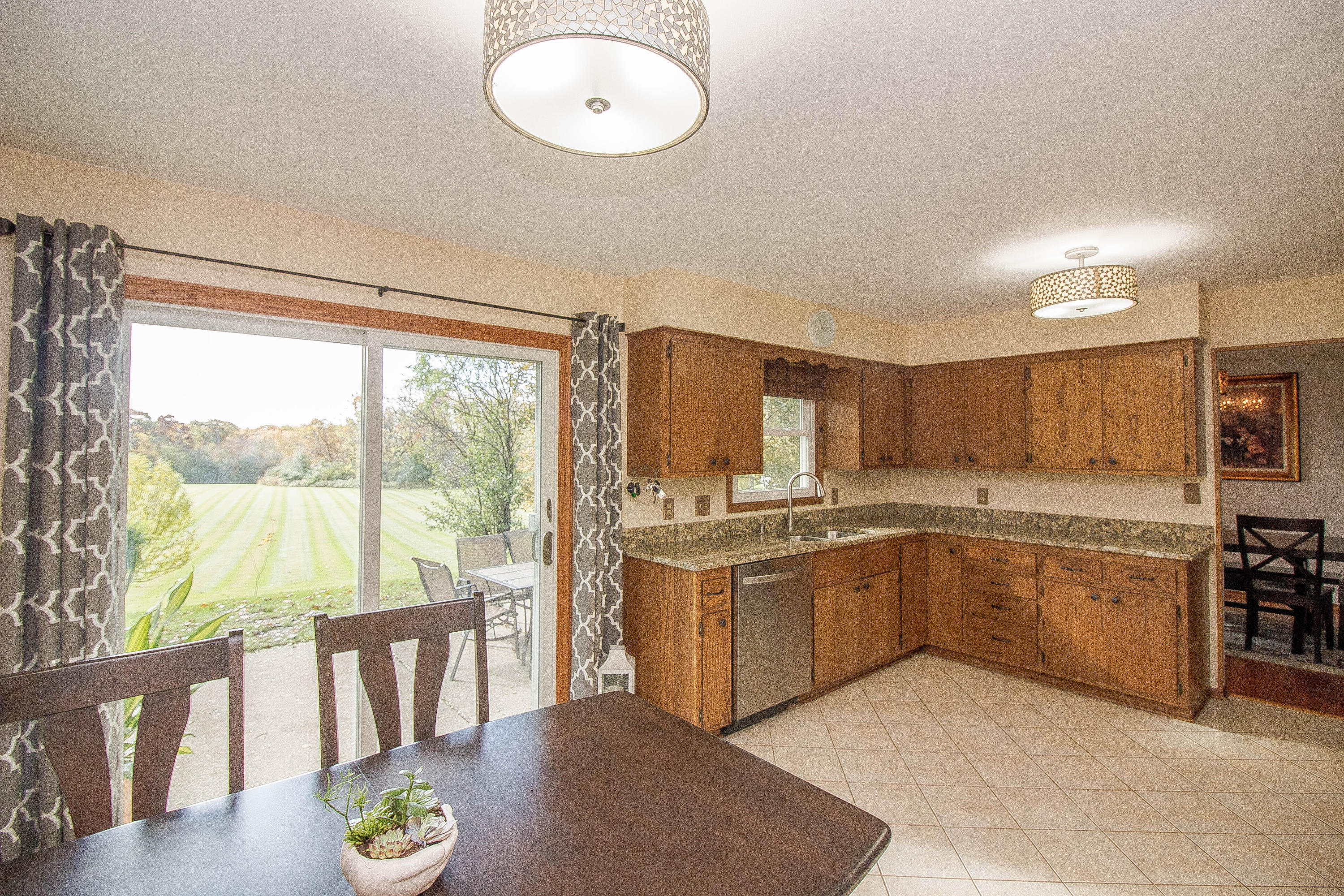 2704 Coventry Ln, Waukesha, Wisconsin 53188, 3 Bedrooms Bedrooms, ,2 BathroomsBathrooms,Single-Family,For Sale,Coventry Ln,1666211