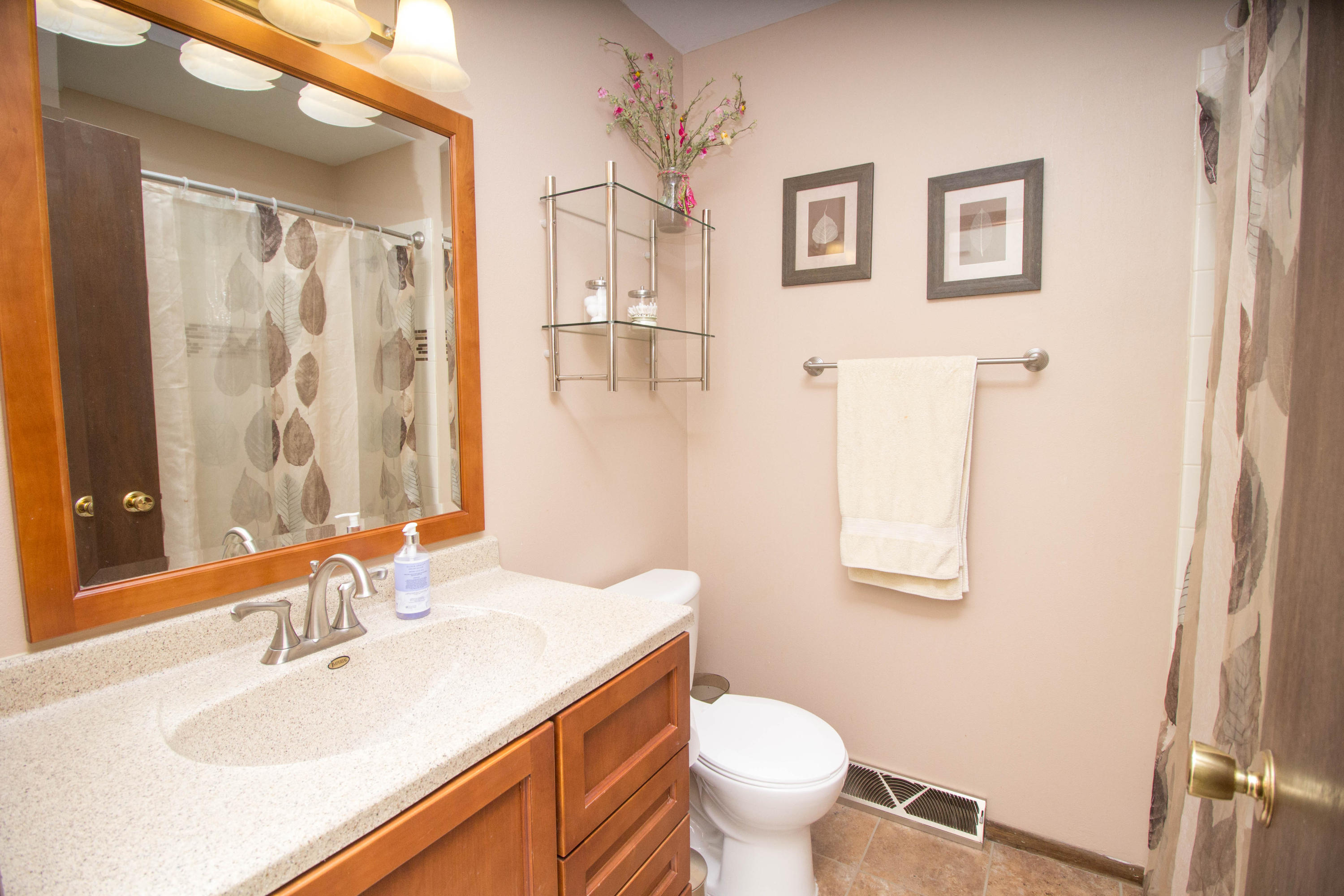 2104 Garland Ave, Waukesha, Wisconsin 53188, 3 Bedrooms Bedrooms, ,1 BathroomBathrooms,Single-Family,For Sale,Garland Ave,1666457