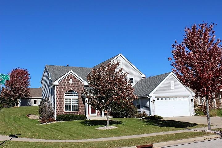 100 Jersey Cir, Waukesha, Wisconsin 53188, 4 Bedrooms Bedrooms, 8 Rooms Rooms,2 BathroomsBathrooms,Single-Family,For Sale,Jersey Cir,1666502