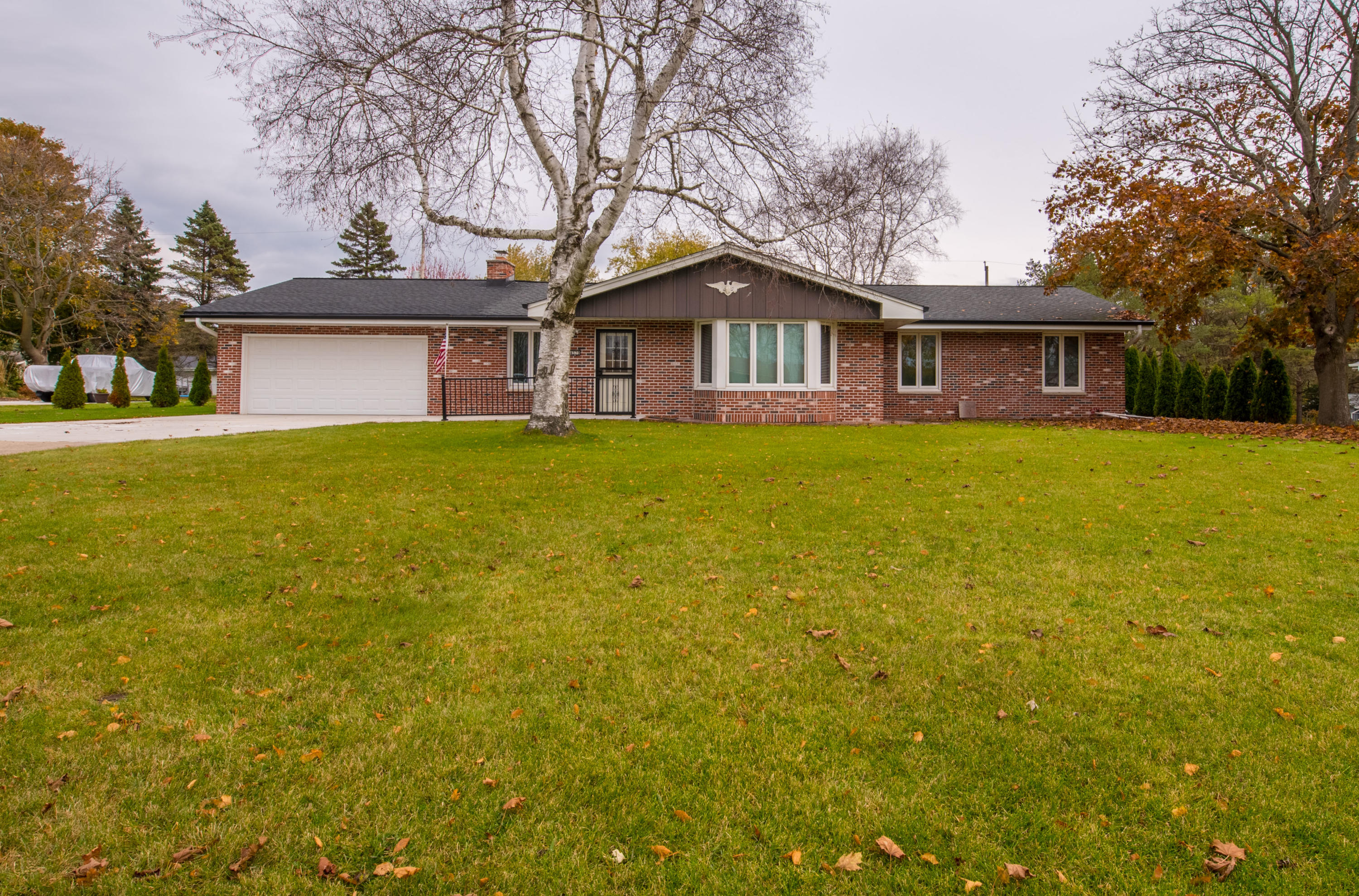 4570 Imperial Dr, Brookfield, Wisconsin 53045, 3 Bedrooms Bedrooms, ,2 BathroomsBathrooms,Single-Family,For Sale,Imperial Dr,1666736