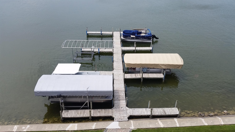 318 Lake Rd, Oconomowoc, Wisconsin 53066, 3 Bedrooms Bedrooms, 7 Rooms Rooms,2 BathroomsBathrooms,Condominiums,For Sale,Lake Rd,4,1666834