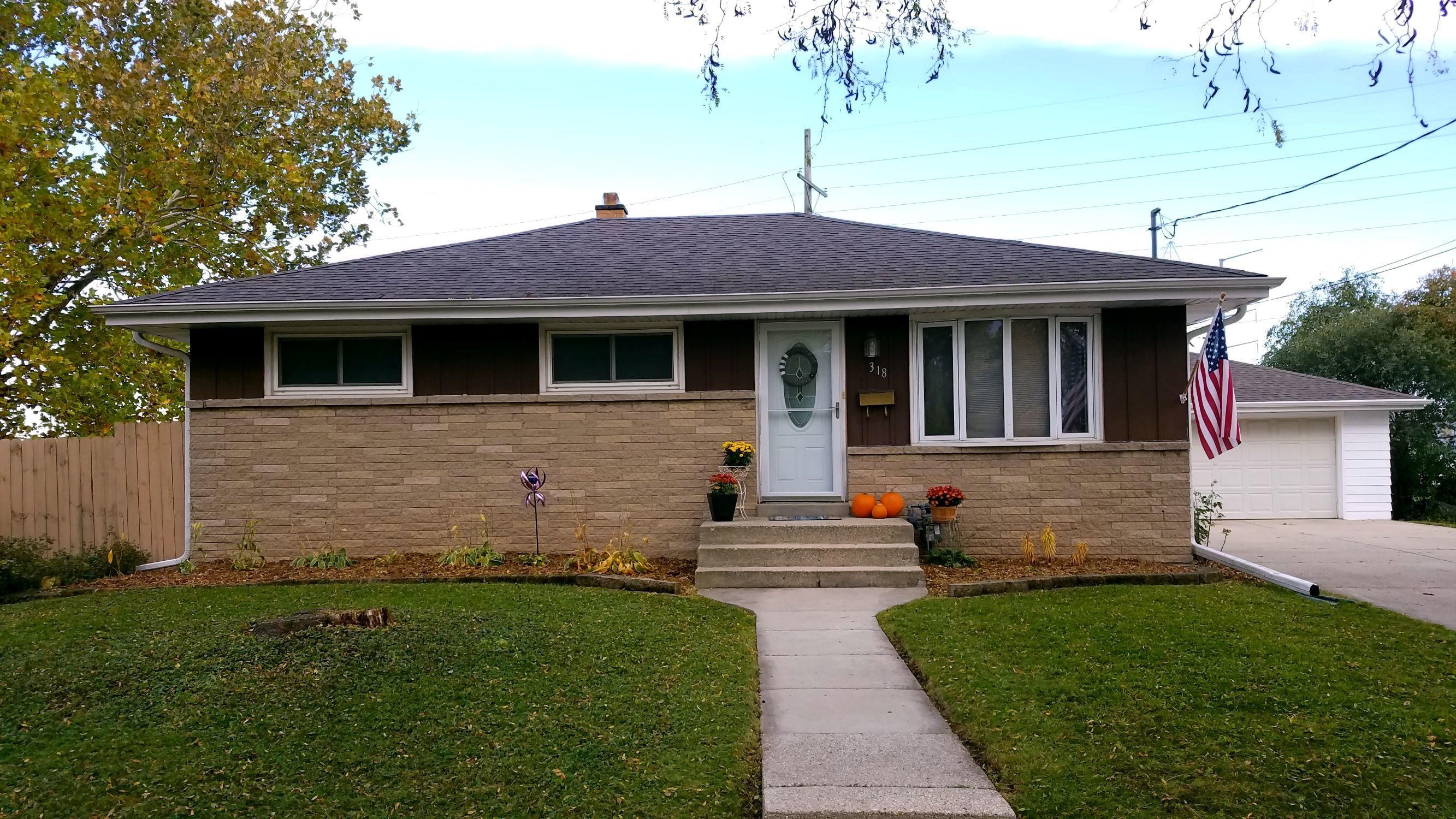 318 Gascoigne Dr, Waukesha, Wisconsin 53188, 3 Bedrooms Bedrooms, 6 Rooms Rooms,1 BathroomBathrooms,Single-Family,For Sale,Gascoigne Dr,1666723