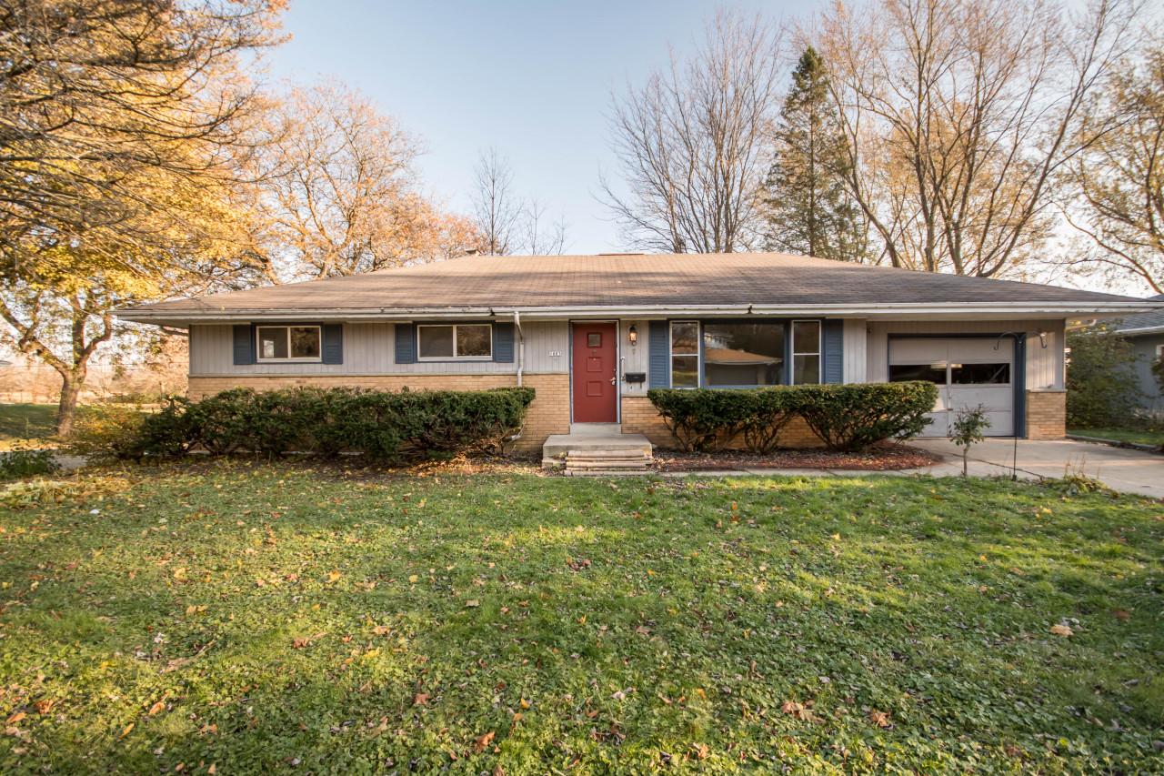 1003 Cavalier Dr, Waukesha, Wisconsin 53186, 3 Bedrooms Bedrooms, 5 Rooms Rooms,1 BathroomBathrooms,Single-Family,For Sale,Cavalier Dr,1666860