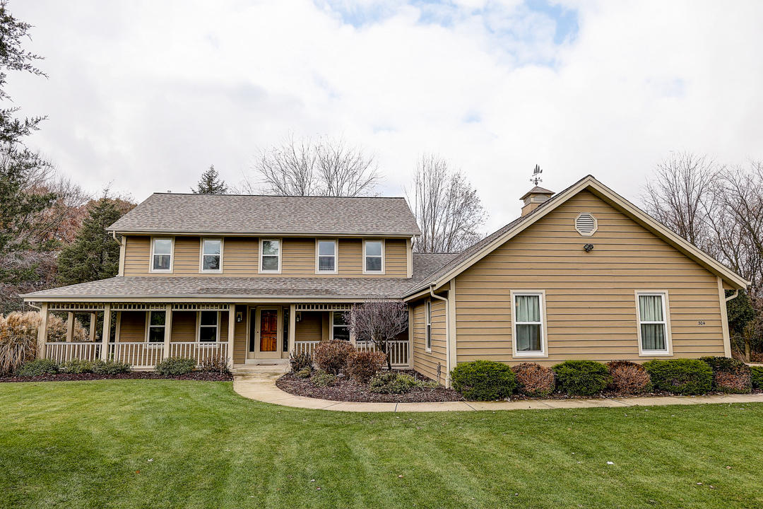 304 Johns St, Delafield, Wisconsin 53018, 4 Bedrooms Bedrooms, 8 Rooms Rooms,3 BathroomsBathrooms,Single-Family,For Sale,Johns St,1666917
